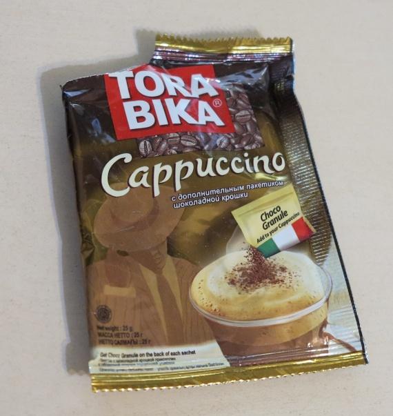 Кофе в пакетике Tora Bika Cappuccino с дополнительным пакетиком шоколадной крошки  содержит пальмовое масло